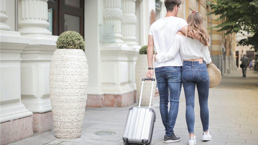 Berbagai Tips Berhemat Saat Liburan Honeymoon